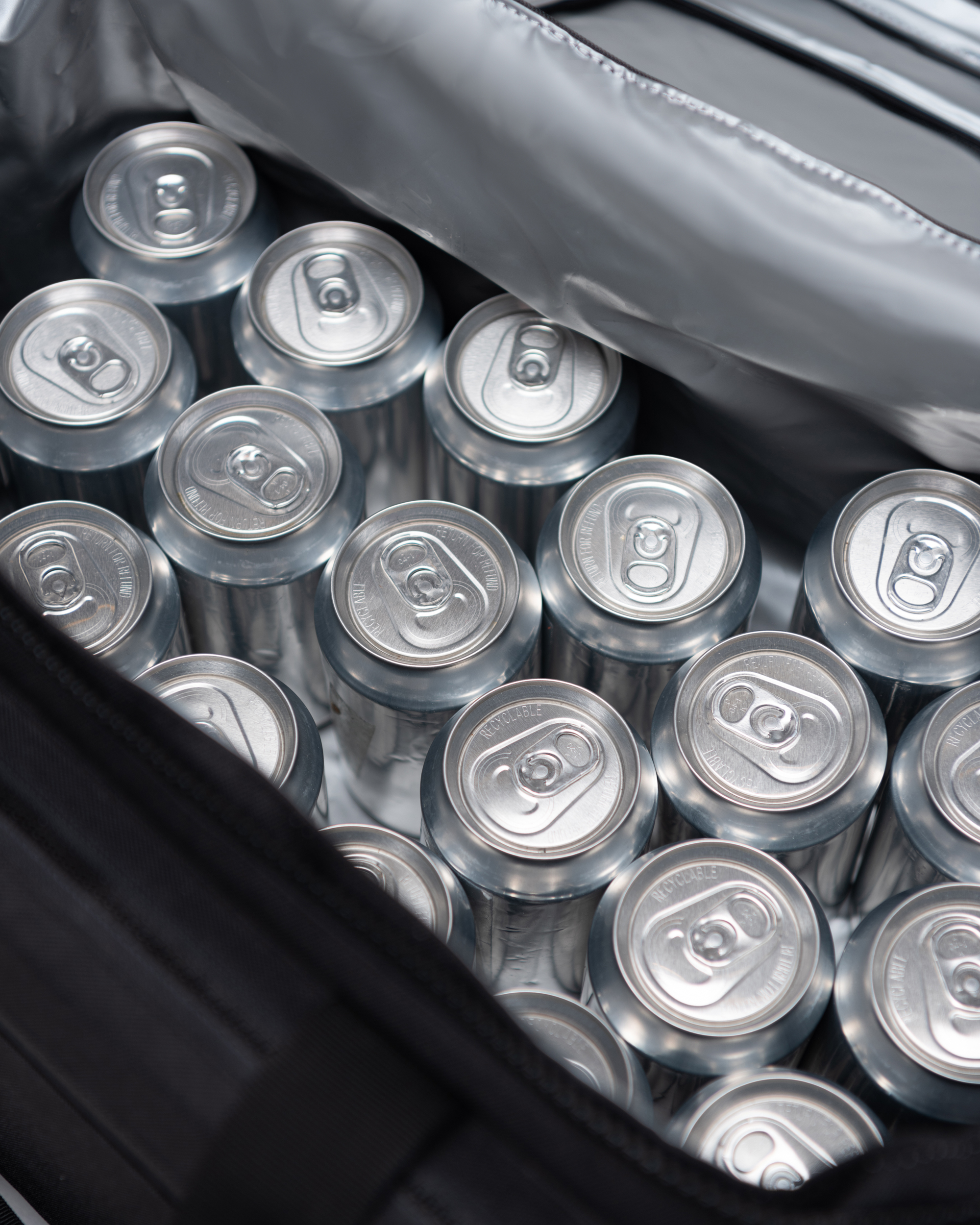 Fits 30 Cans