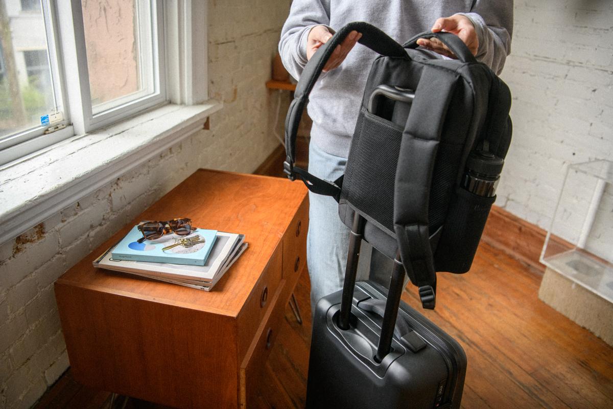 Passant pour valise à roulettes en maille respirante