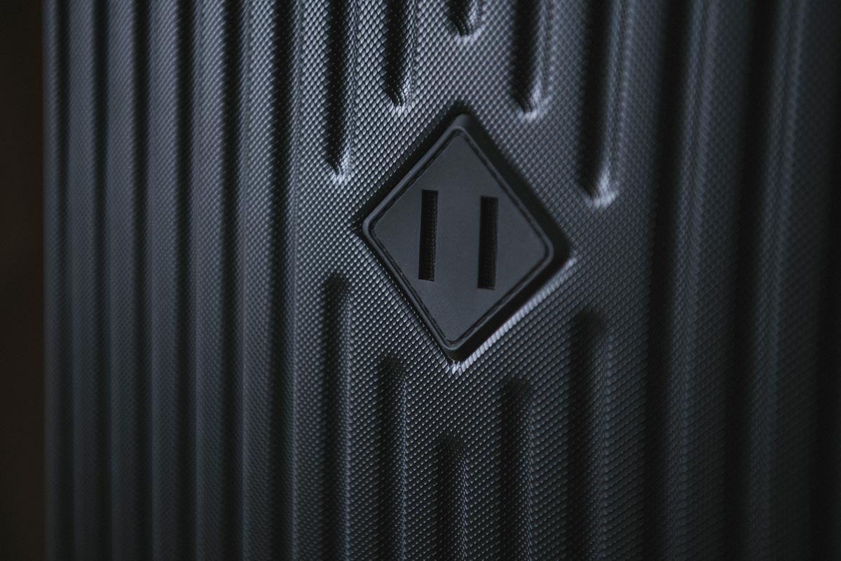 Étiquette classique et losange en caoutchouc embossé